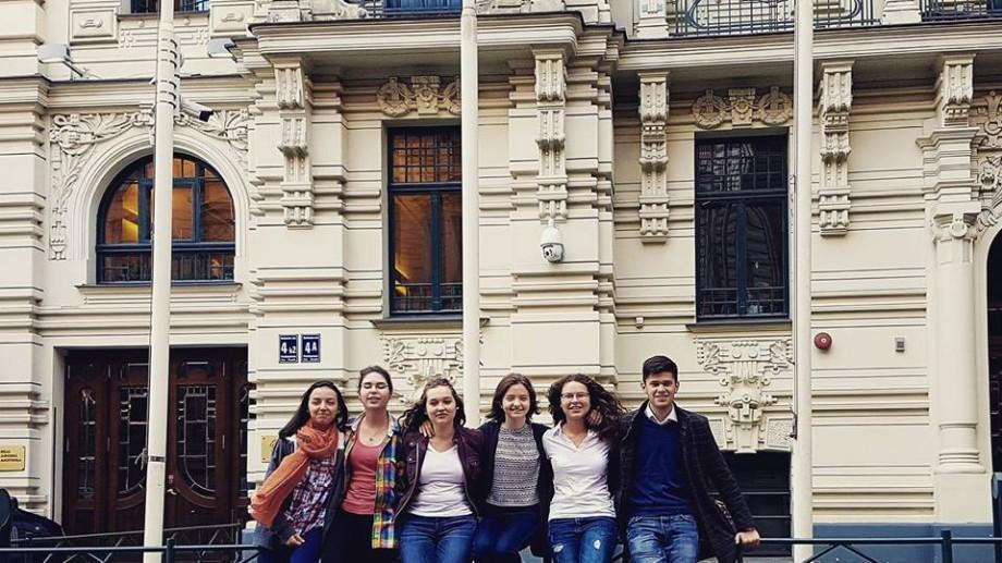 """""""Fiți sinceri în scrisoarea de motivare"""". Studenții moldoveni de la SSE Riga vă oferă sfaturi pentru admitere"""