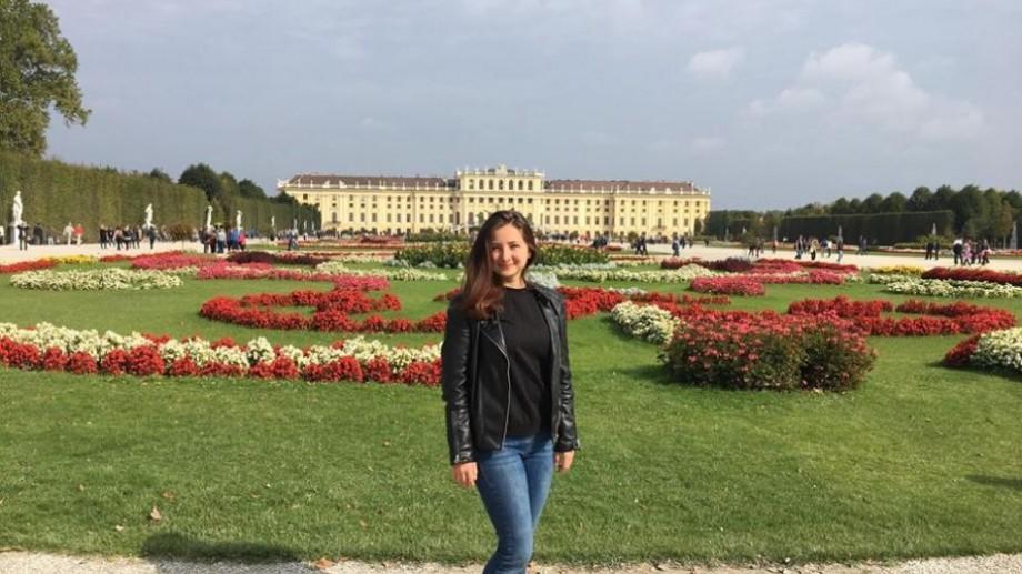 Universitatea #diez. 12 examene și încă mai multe nopți petrecute între foi. Cum se susține sesiunea la o școală de business din Viena