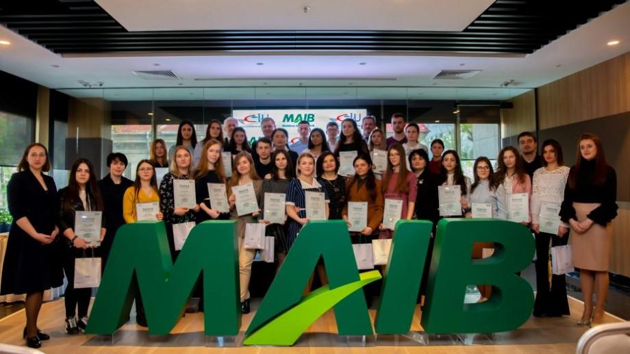 Burse pentru Viitorul Tău – investiţia MAIB în educaţia de calitate a tinerilor. Investiţia în viitorul de ACASĂ, în Moldova