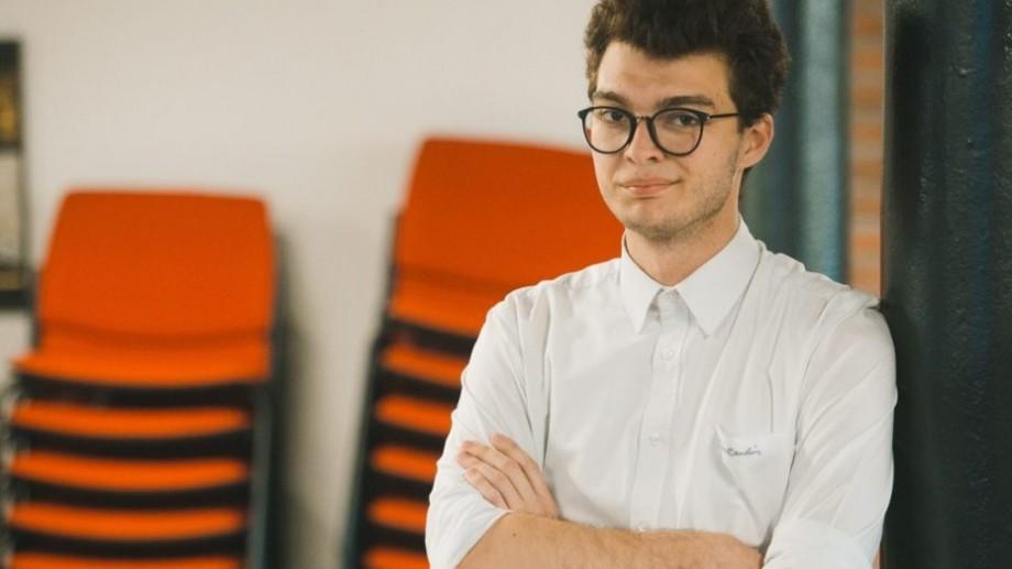 Vlad Caluș, de la cel mai de succes startup din Moldova, a lansat o carte despre marketing pentru millenials
