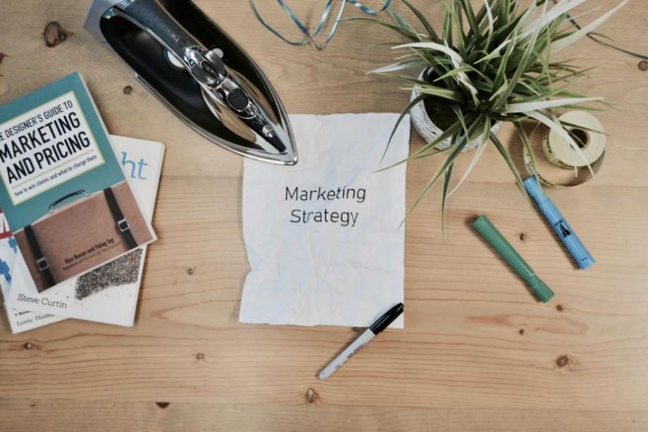 Dorești să-ți dezvolți afacerea și să cunoști oameni cu istorii de succes? Înscrie-te la Kontrast Mind Conference